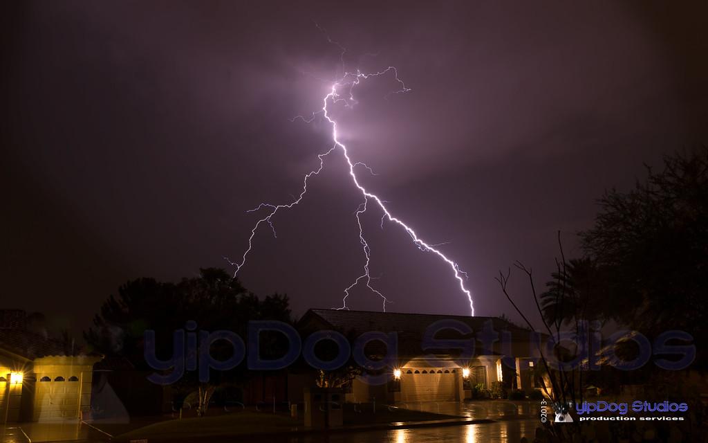 IMAGE: http://yipdog.smugmug.com/Weather/Storms/i-BdzPdhp/0/XL/7-20-13-Storm-XL.jpg