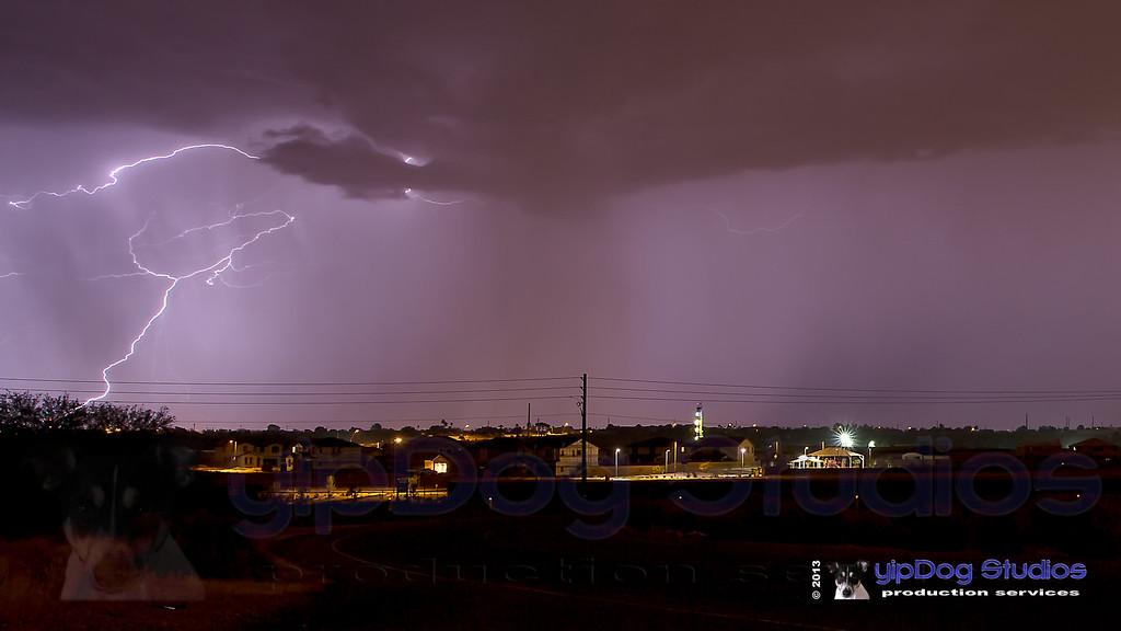 IMAGE: http://yipdog.smugmug.com/Weather/Storms/i-gTnK2zK/0/XL/_DS_6909-XL.jpg