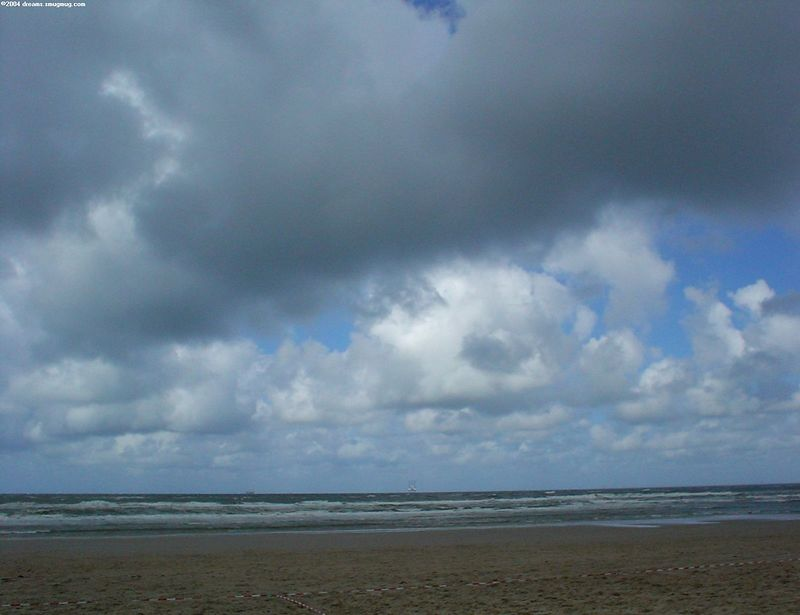 Noorderstrand, Scheveningen, storm aftermath, july 2004
