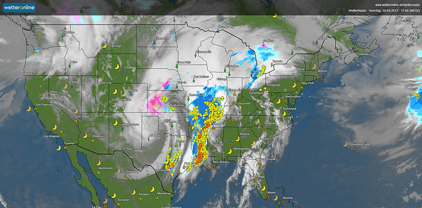Massive Cold Front with many CBs and Tornados