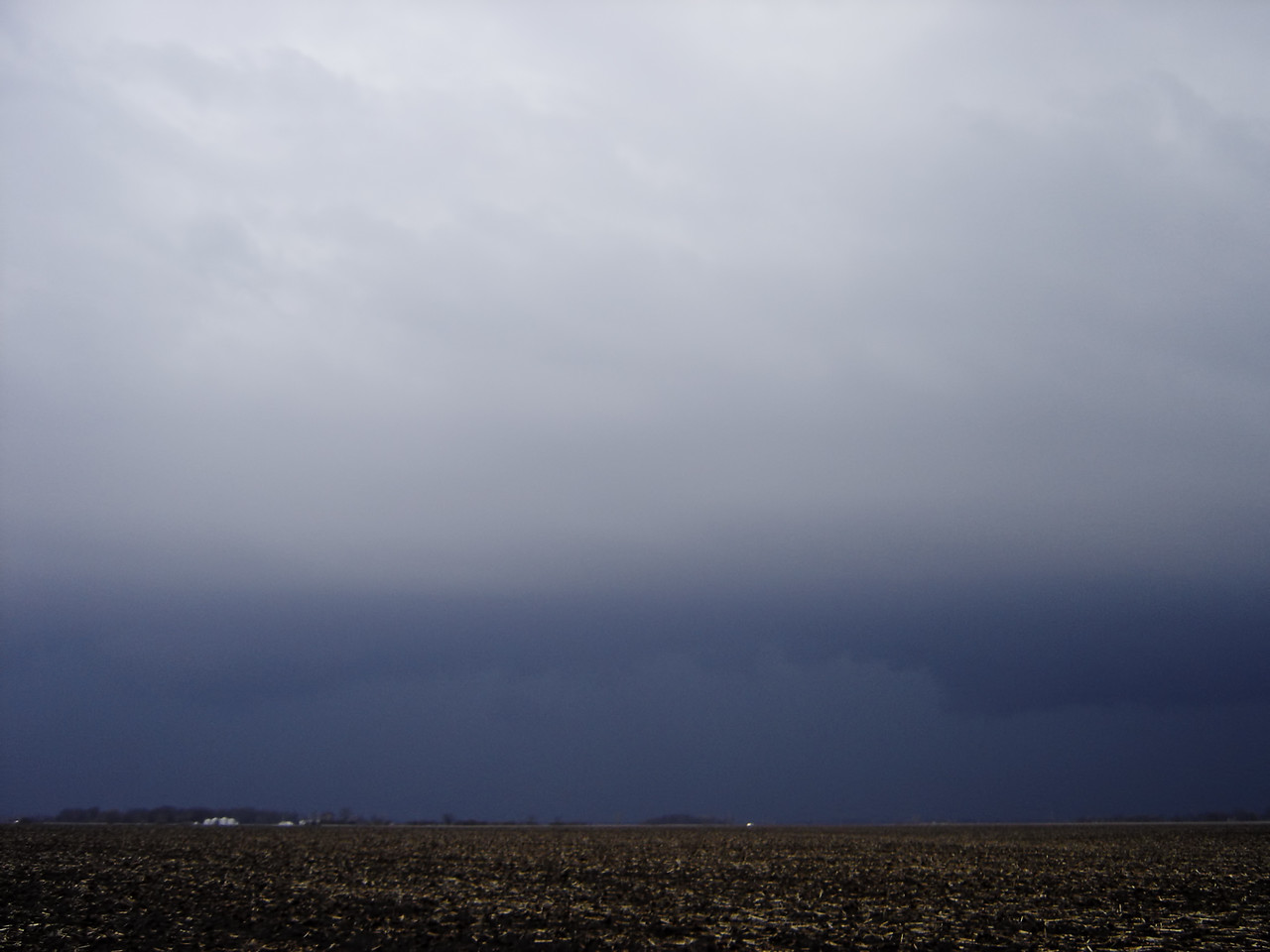 "April 2 - W Macon County IL. Tornado warned storm as part of a historic outbreak this day.<br /> <br /> Related link <a href=""http://www.crh.noaa.gov/ilx/?n=02apr2006"">http://www.crh.noaa.gov/ilx/?n=02apr2006</a>"