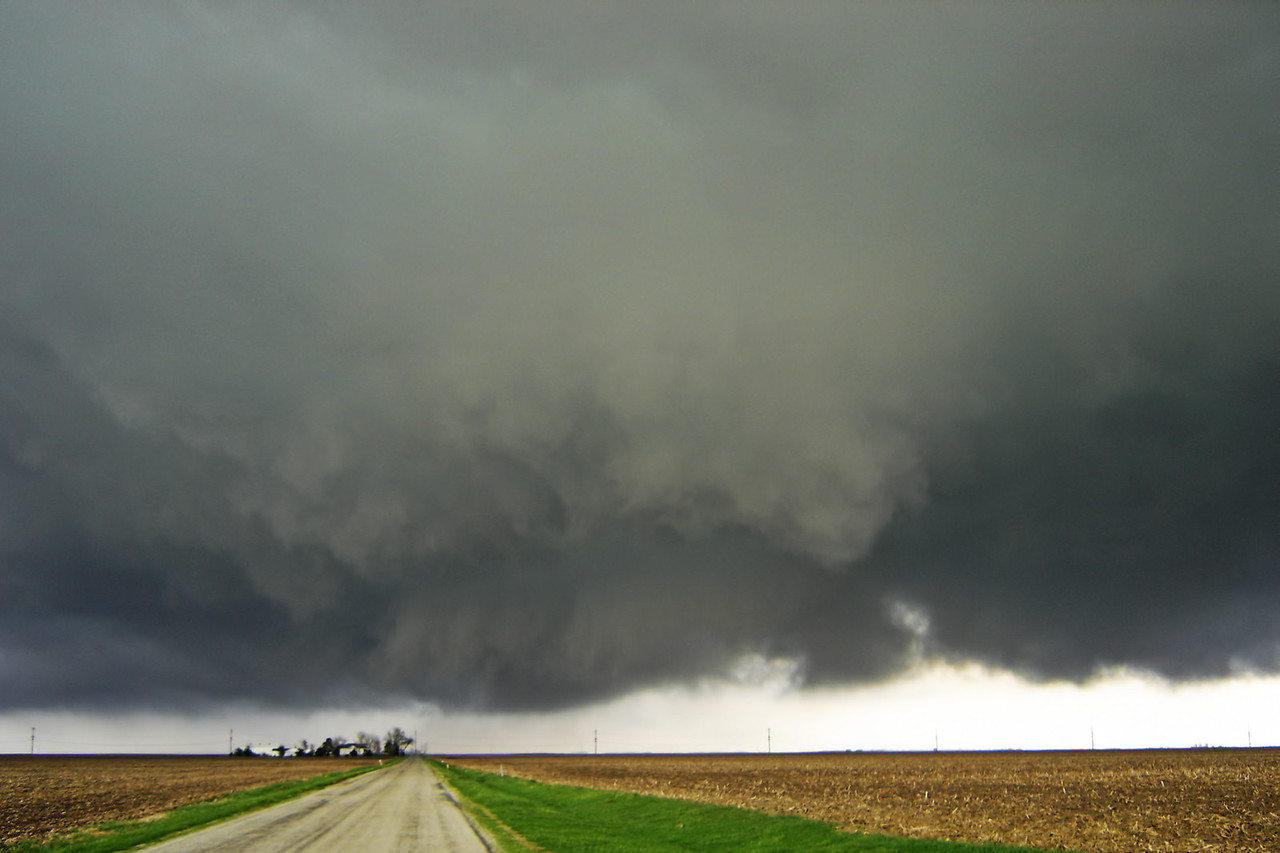 March 28 - Broad mesocyclone in N Macon County IL