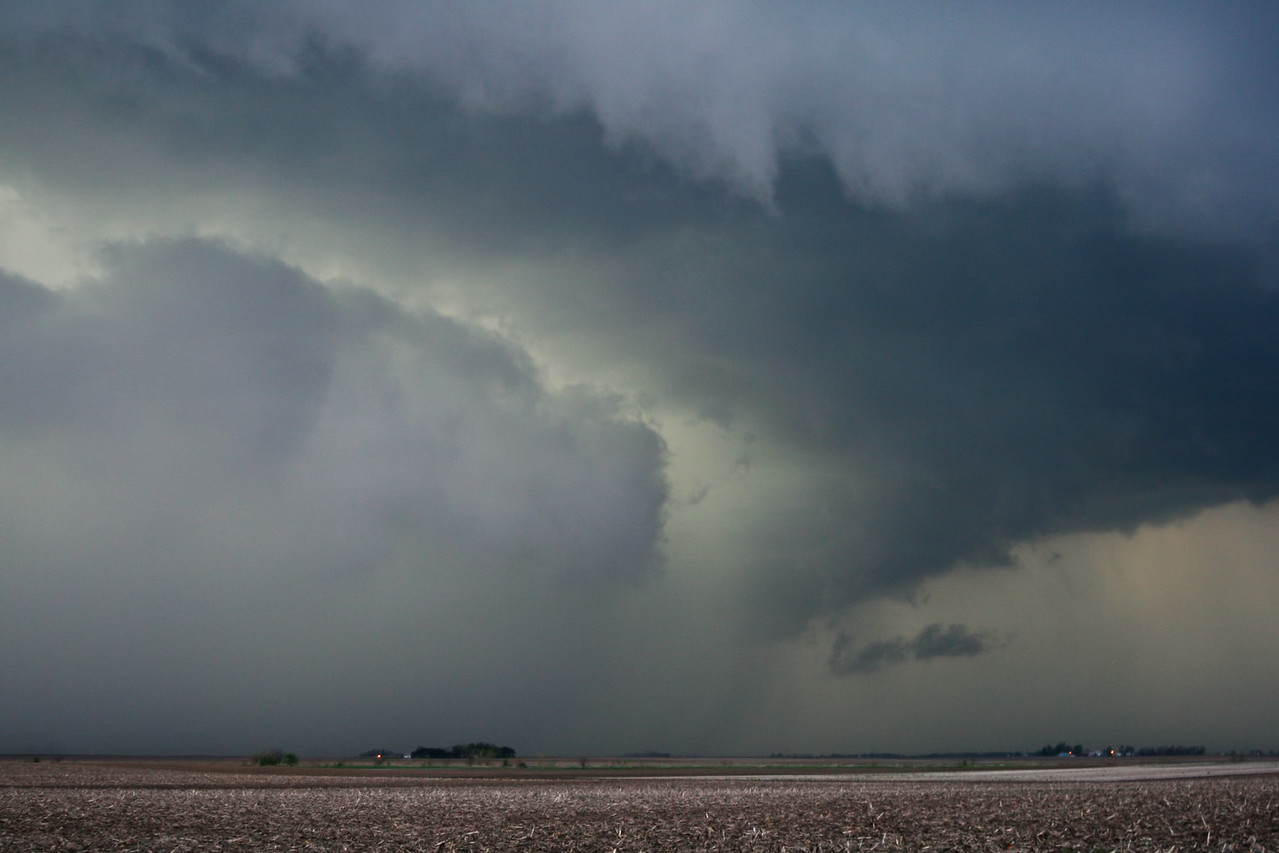 April 25 - NW of Niantic IL