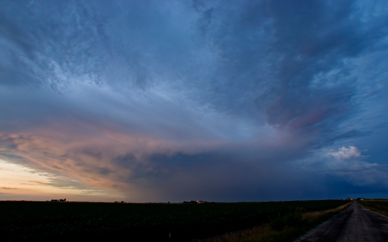 July 26 - Non-Severe Moisture Starved Supercell, Macon County Illinois