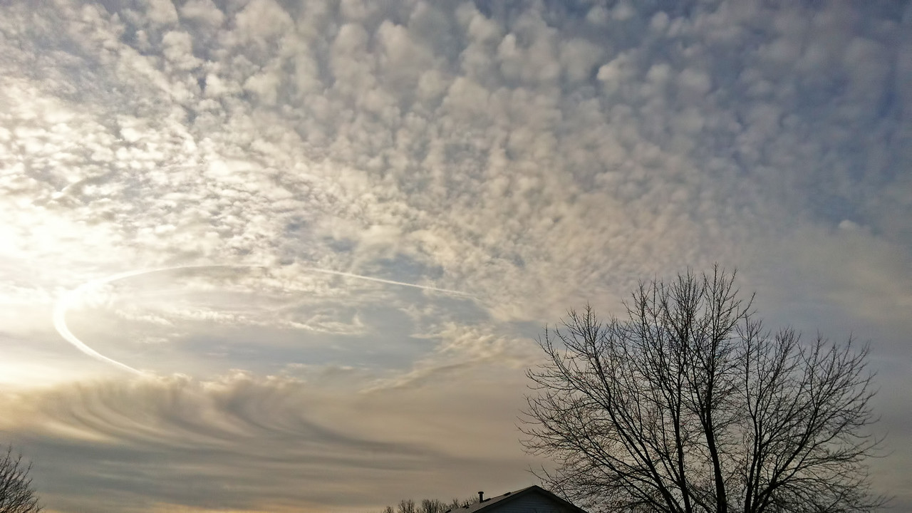 November 15 - Morning Altocumulus with Diverting Flight, Decatur Illinois