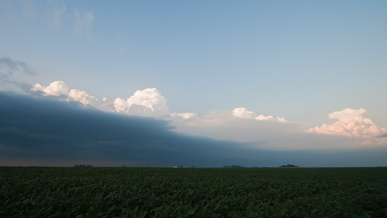 August 25th - Strong surface outflow boundary incoming, NE Macon County IL