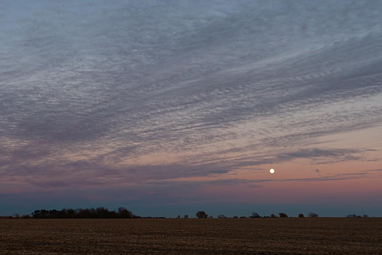 November 5th - W Macon County IL (facing E)