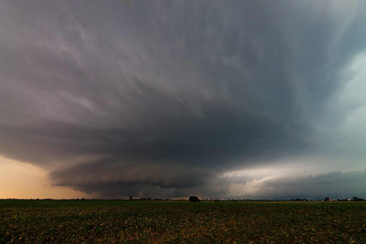Much later in Northern Illinois, tornado warned supercell at Walnut.