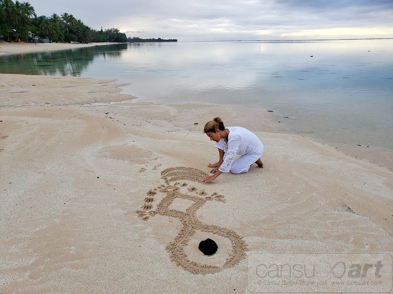 Cansu Bulgu, Sand Meditation Art, Cook Islands