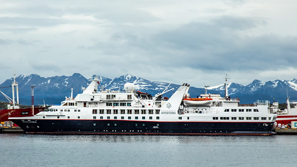 The Silver Explore berthed in Ushuaia