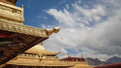 Roof lines of the Jokhang Temple.