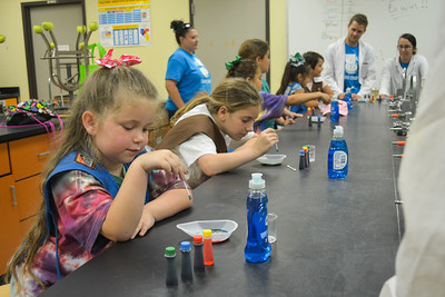 052017_GirlScout-STEMDay-0468