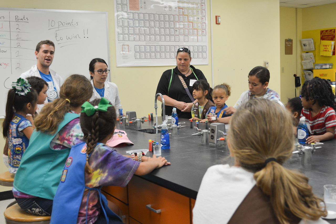 052017_GirlScout-STEMDay-0455