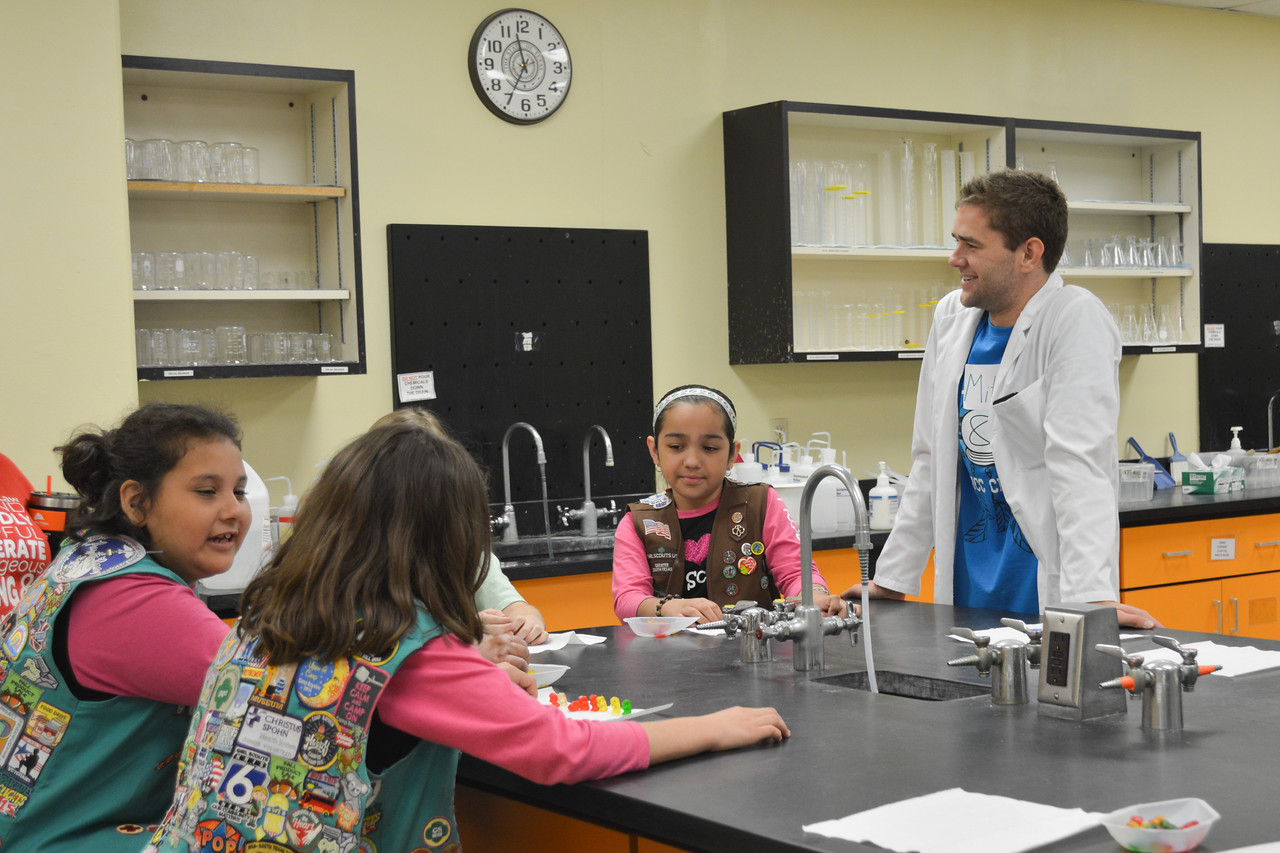 052017_GirlScout-STEMDay-0536