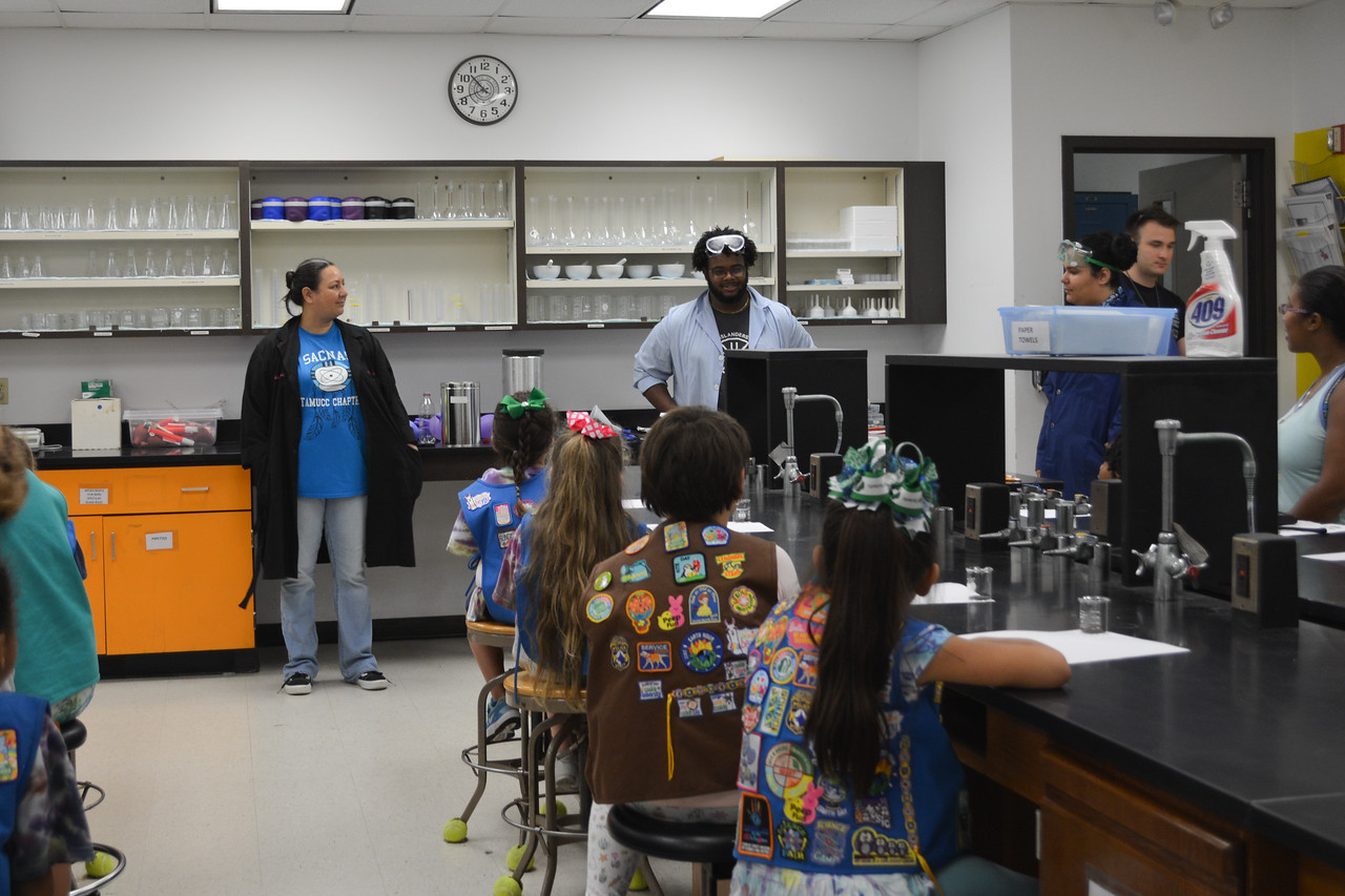 052017_GirlScout-STEMDay-0421