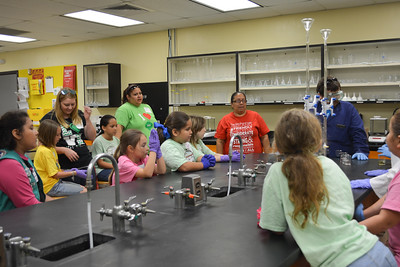 052017_GirlScout-STEMDay-0436