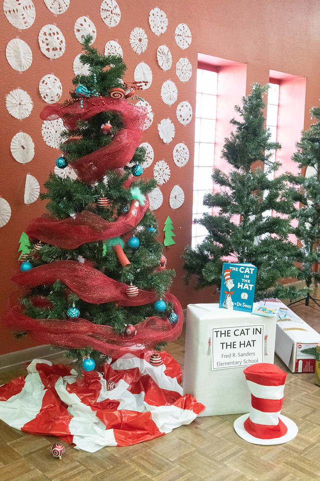 2018_1214-GarciaChristmasTree-SS-9644