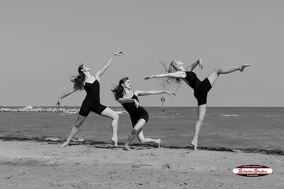 Ad Deum Dance Company. Photo by Schuster Studios