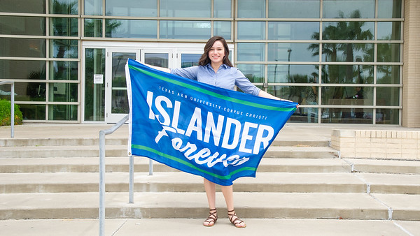 OutstandingGraduate; IslanderForever;DeniserRocha; Summer 2018; Commencement Summer 2018