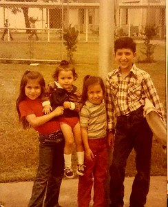 With siblings at Kleberg Elementary, Kingsville - Left to right: Monica, Erica, Jessica, Yndalecio (cira 1980).