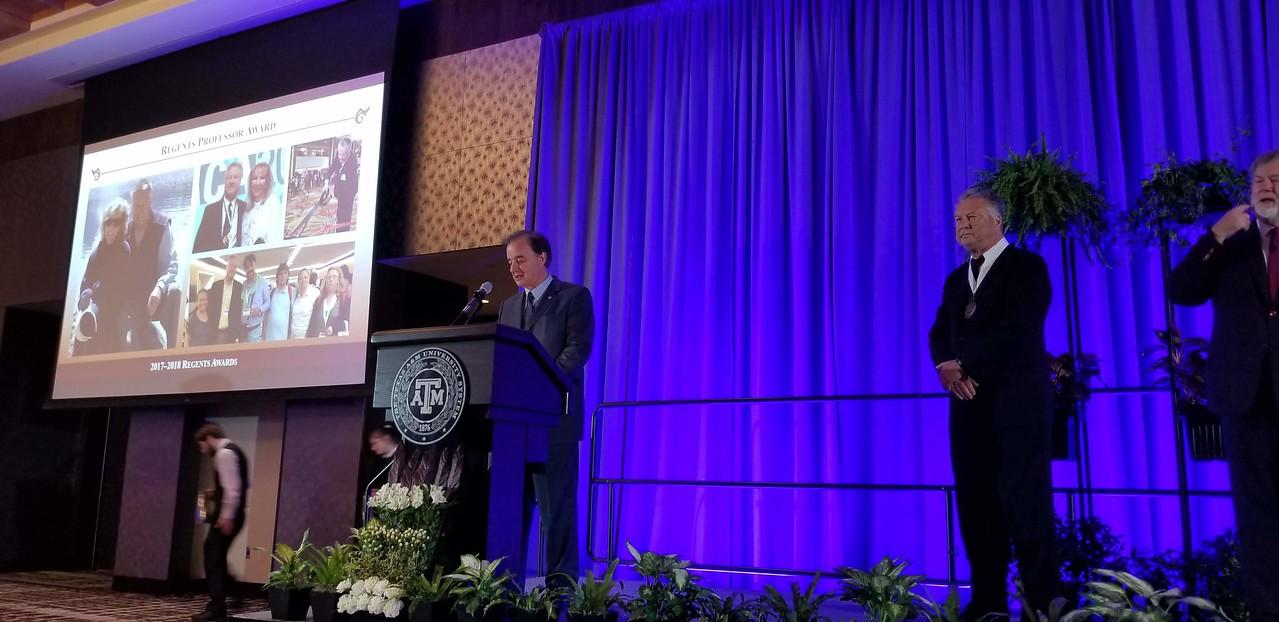 Chancellor presenting award 20190116_203931