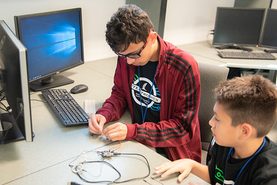 2019_0606-STEM-TronicsCamp-TL-0792