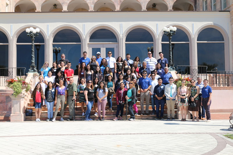 New College admissions staff hosted Unidos Now students and their families at College Hall.