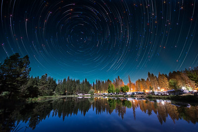 Camp without star trails in lake
