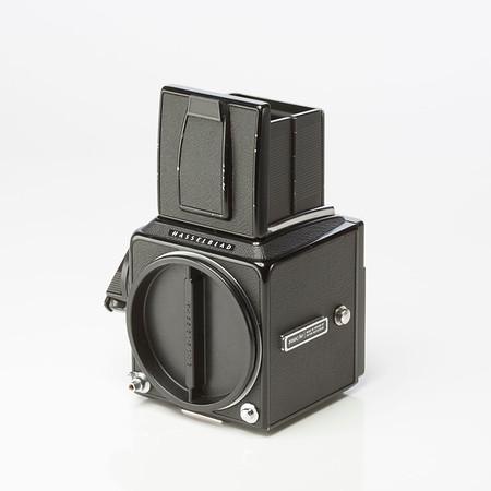 Paket - H-blad 500CM + 150mm + filmmagasin+ polaroidbakstycke, trådutlösare. 8.000kr. Endast huset,6000kr