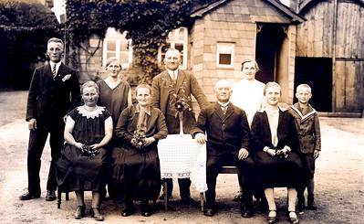 Negenborn 1928 Bonhage Family Picture