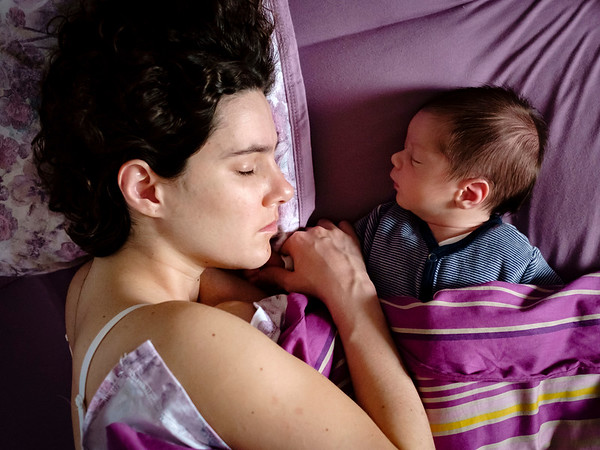 I did follow the instruction: when your new born sleeps, you go to sleep as well. The best advice and maybe the only one a new mom should get.
