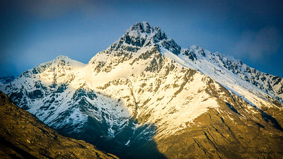 The mountains were named The Remarkables by Alexander Garvie in 1857-58. Early Queensland settlers named them Remarkables to describe the sight.