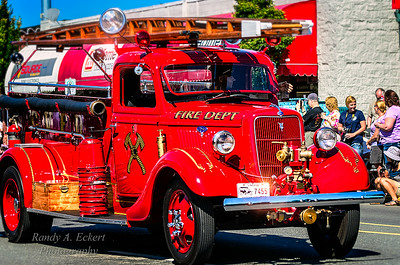 V8 Ford Ford Fire Truck