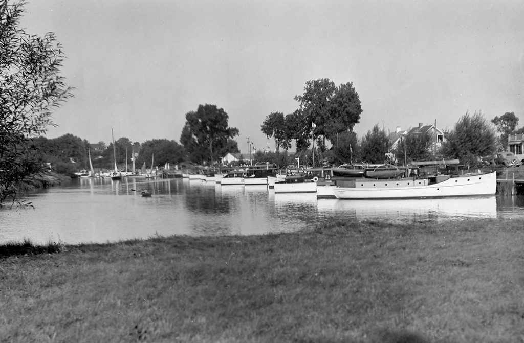 1946 VYC Docks
