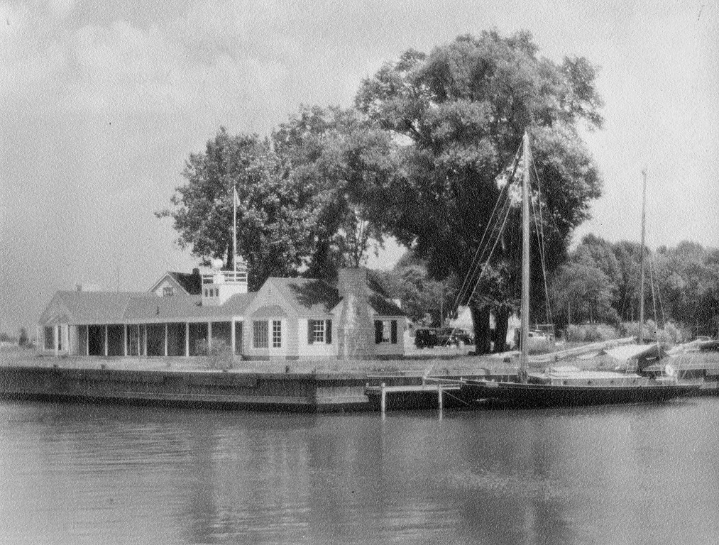 Clubhouse, 1934