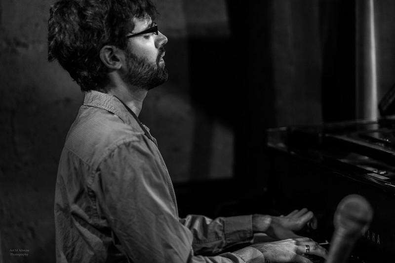 Yaniv Taubenhouse:  jazz composer & piano