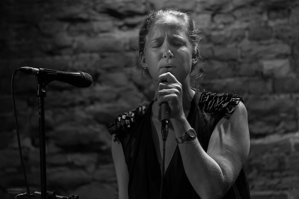 Vivienne Aerts:  jazz singer