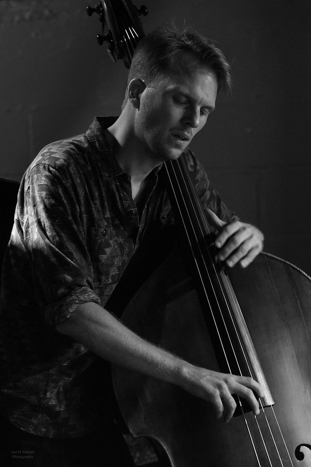 Lars Ekman on bass