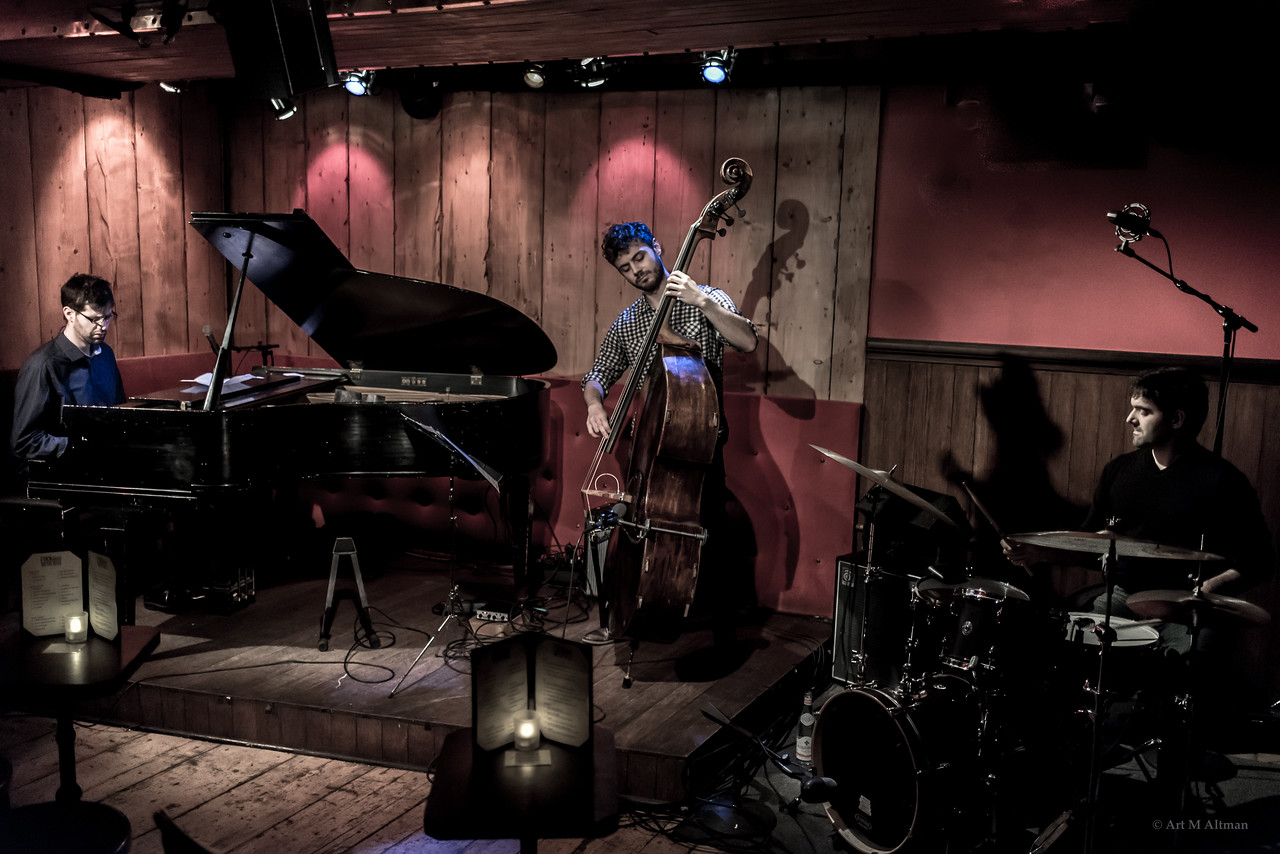 Yaniv Taubenhouse Trio