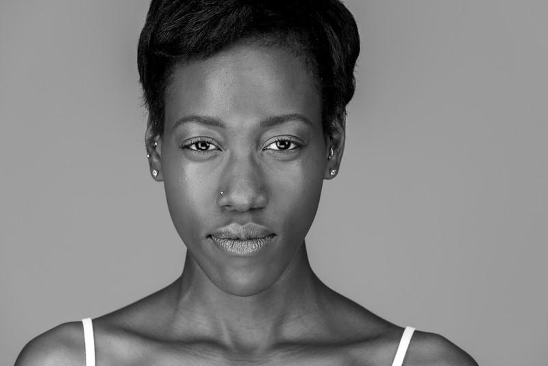 Shayna, model