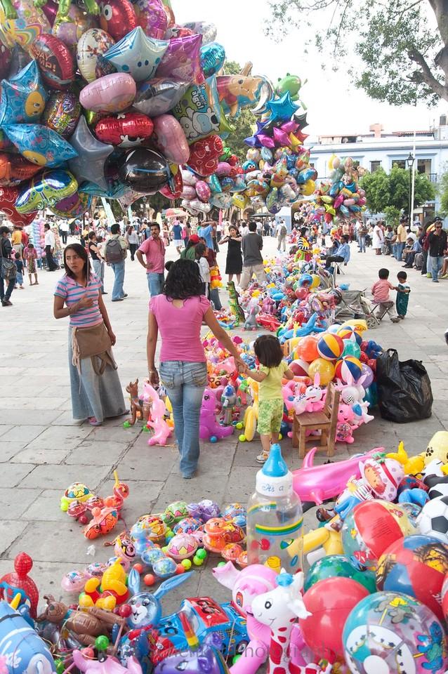 """""""Kaleidoscopic helium"""", Puebla de los Angeles, Puebla. 2008"""