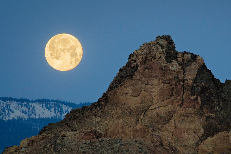 Cathedral Valley Moonset