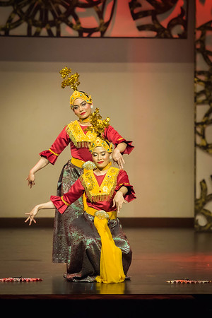 'Joget Gamelan Kunang-Kunang Mabuk' is also one of the repertoires in Joget Gamelan