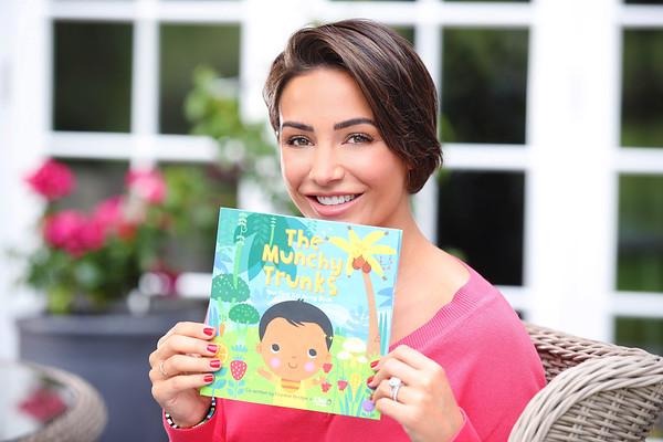 Ella's Kitchen - Frankie Bridge -Eat Along Book