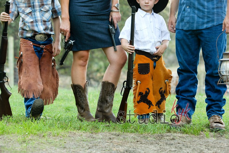 "Q: do you shoot family photos on the weekend? <br /> <br /> A: I don't have many weekends open for family photos because I book up with events, but yes I do a few a year  you will need the  {REAL People} ""Get It All"" package for $400 if you have to shoot on the weekend.    if you can shoot mid week m-th evening  I offer other packages  that are less."