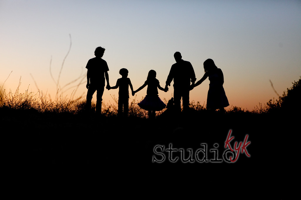 Q: can we do out family photos at 1pm???   A:  if you want family photos with bad lighting sure....  Actually...  the lighting is the key to my success with photos...  I strongly recommend that we shoot 1 hour after sunrise or 1 hour after sunset.
