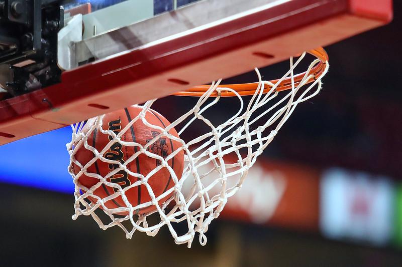 NCAAW BASKETBALL:  DIV I WOMEN'S CHAMPIONSHIP - SECOND ROUND UCLA vs Maryland
