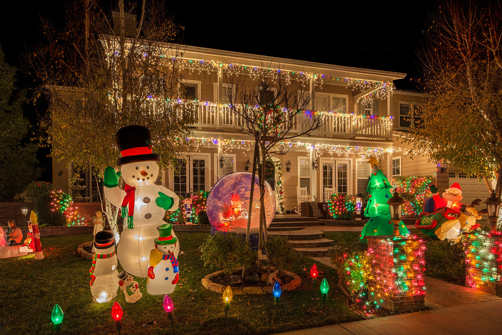Christmas Decorations on Southern Oaks Home, Image #2569