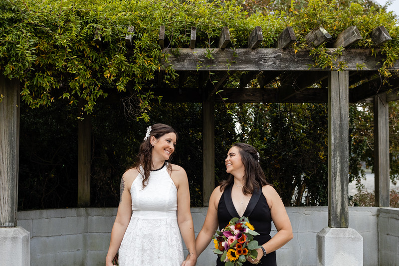 "© MKM Photography, <a href=""http://mkm.photos"">http://mkm.photos</a>"