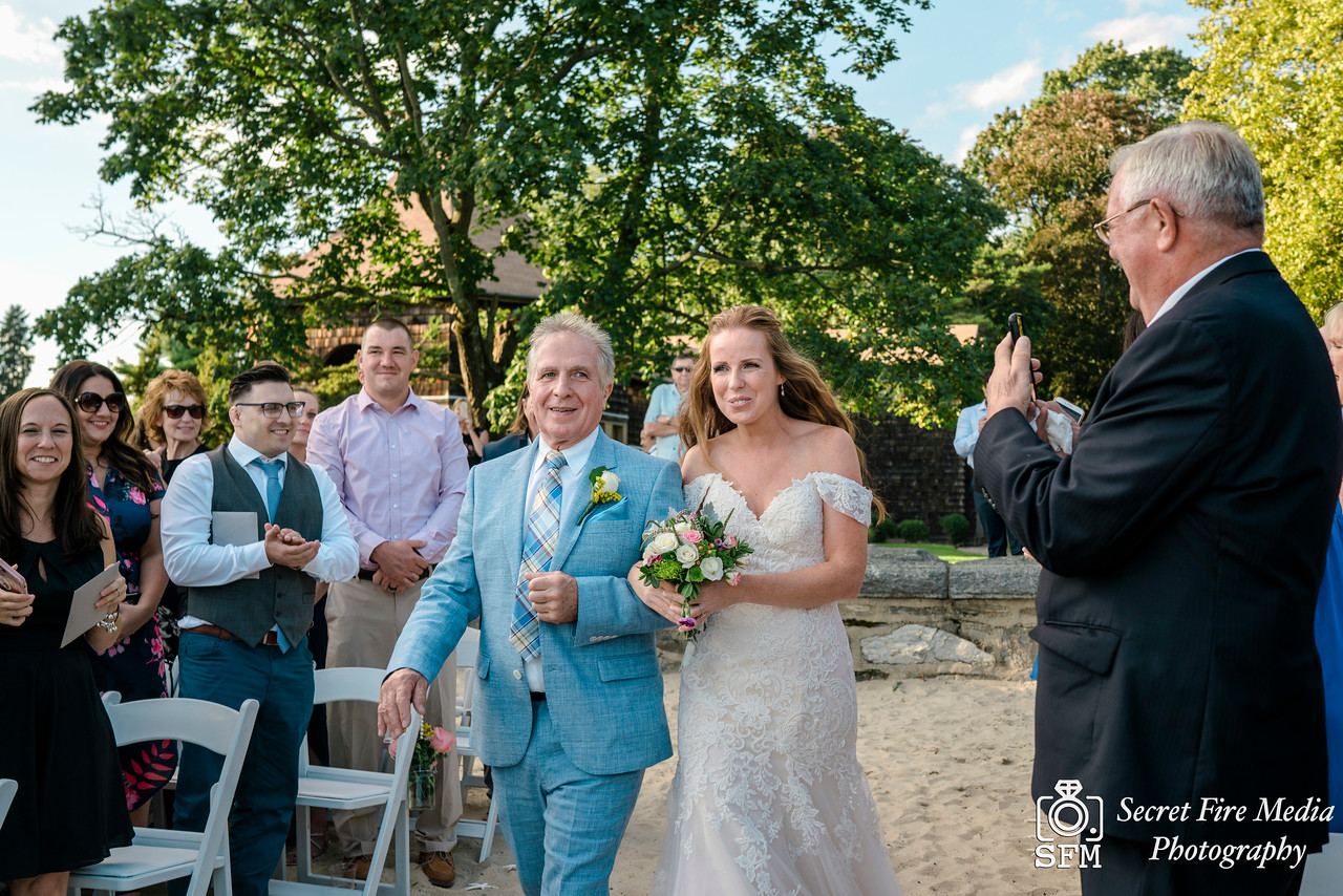 Hudson Valley Beach Wedding Photography at Mamaroneck Beach and Yacht Club